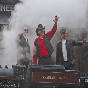 CN Train Band shot.jpg 1425 x 1425 pxl